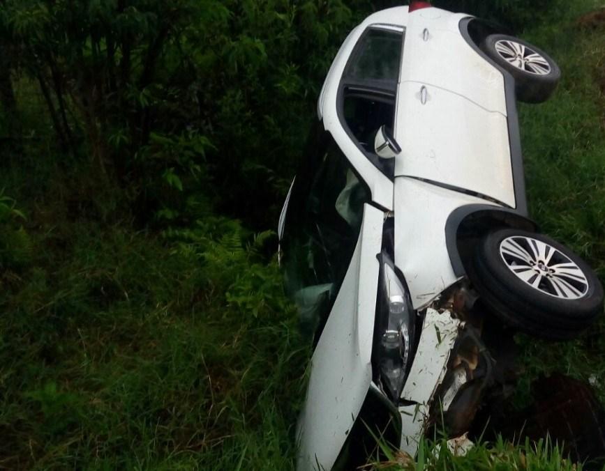 Motorista fica ferida em saída de pista na BR-163 em Barracão
