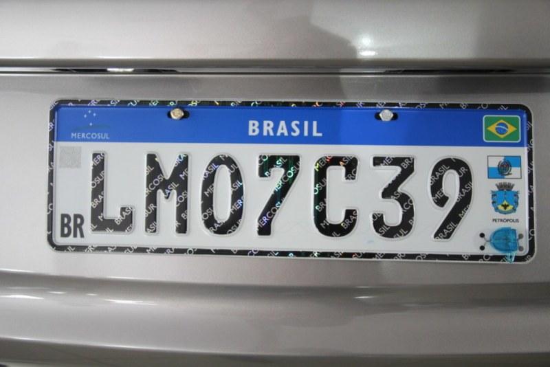 Contran informa que SC tem até 31 de dezembro para implantar placas padrão Mercosul
