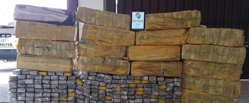 Mais de 430 kg de maconha são apreendidos dentro de carro no estado