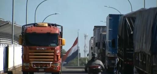 Brasil e Paraguai restabelecem comércio em três pontos da fronteira