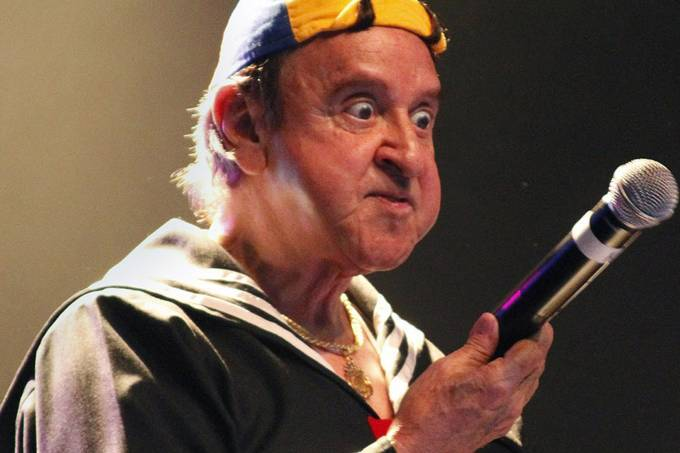 Carlos Villagrán anuncia fim do personagem Quico, de Chaves