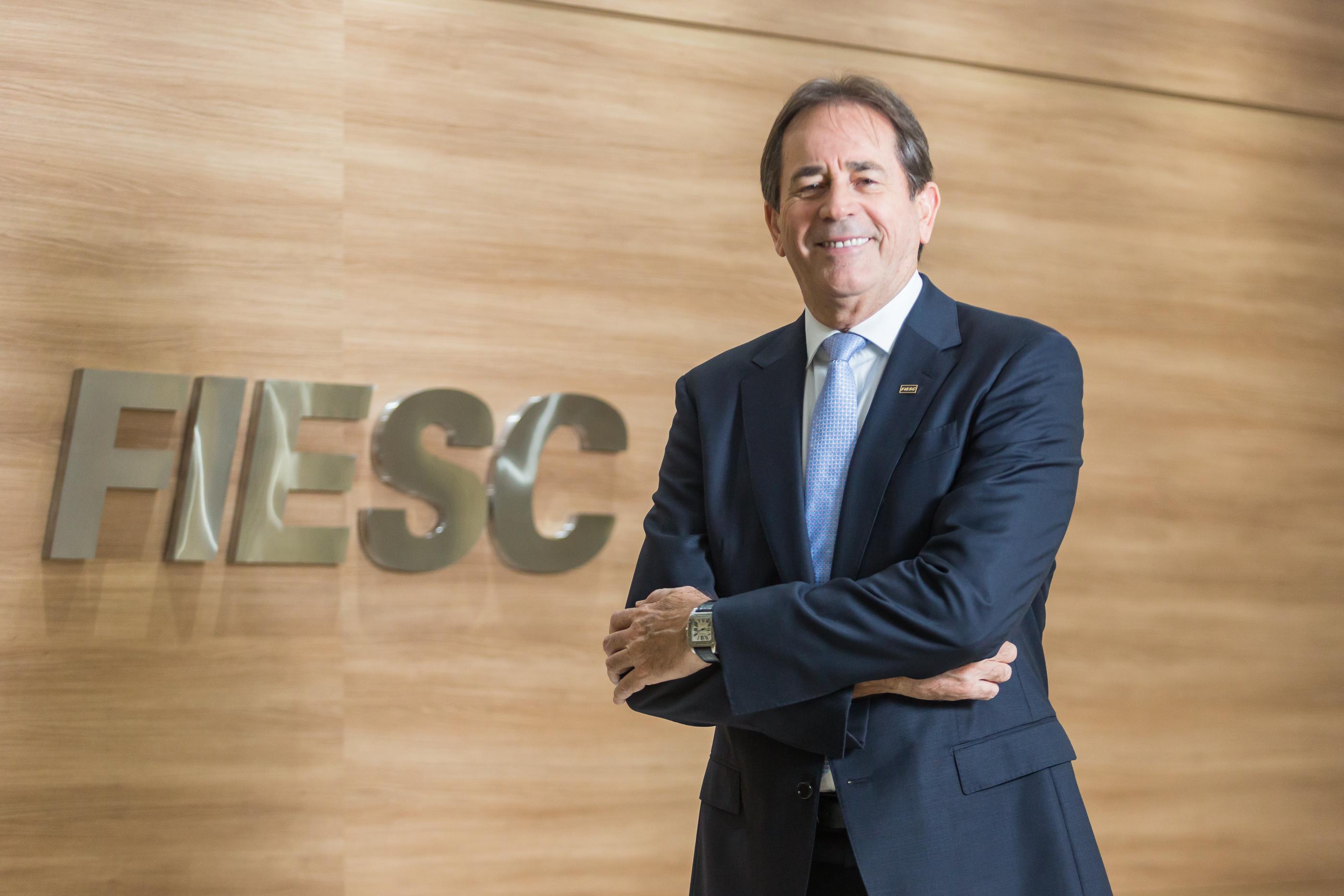 Mario Aguiar assume a presidência da FIESC nesta sexta-feira