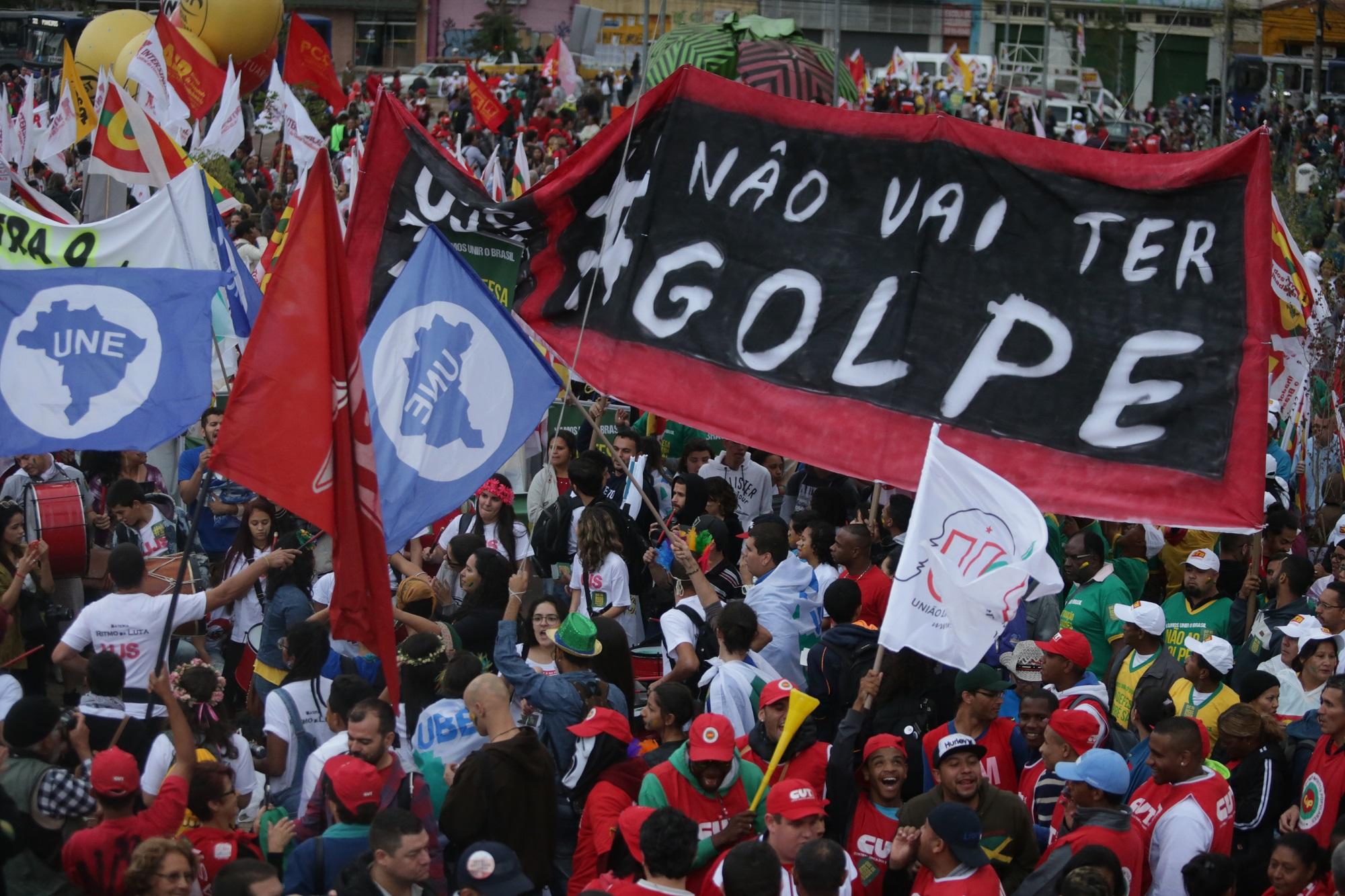 PT convoca ato para este domingo, às 17h30, em frente à PF em Curitiba