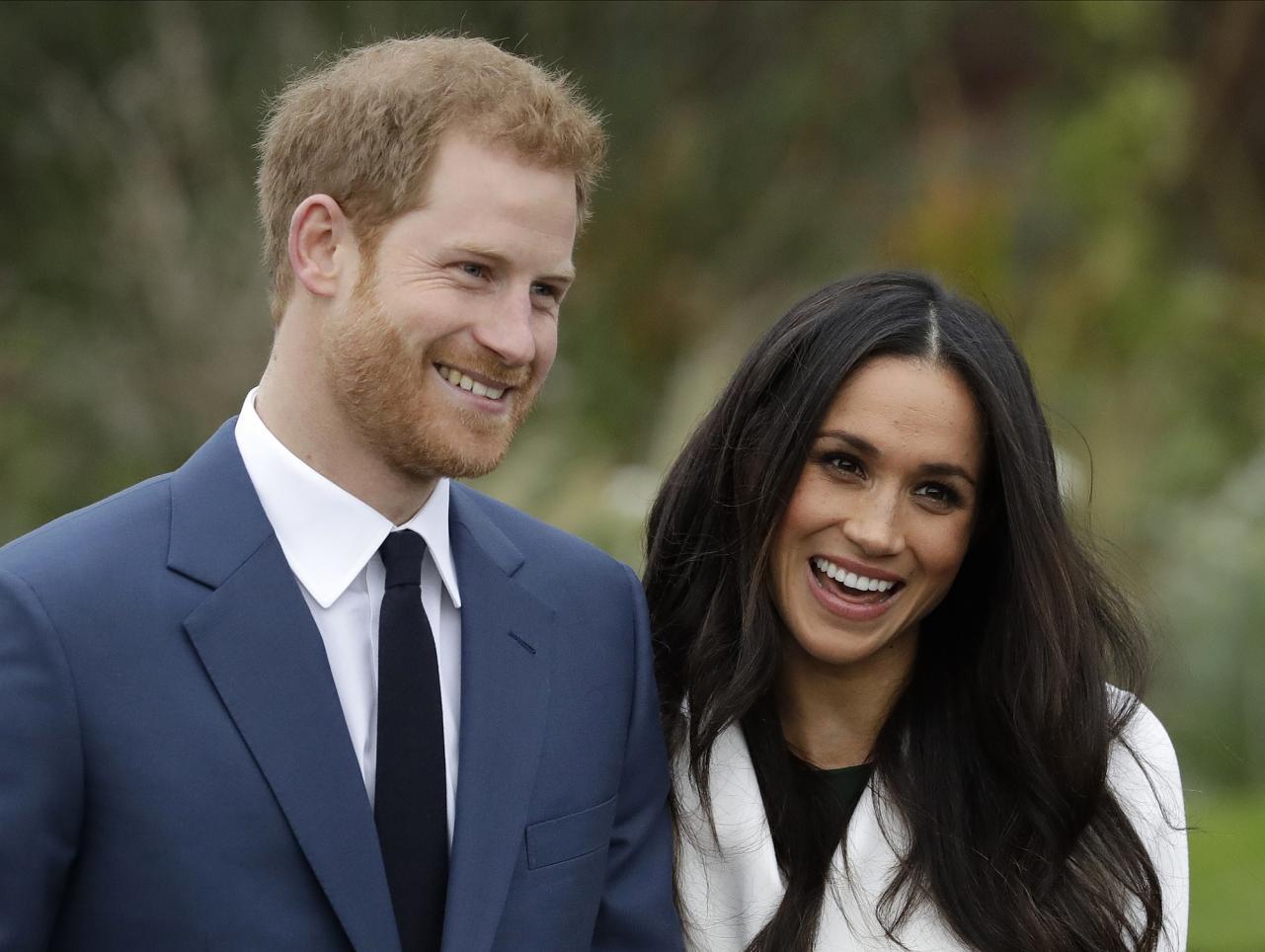 Príncipe Harry e Meghan anunciam que esperam 1º filho