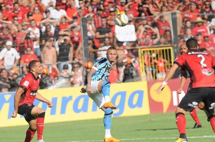 VÍDEO: Grêmio vence e conquista o Gauchão depois de oito anos