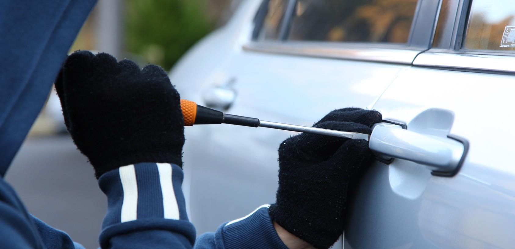 Cresce o número de furtos e roubos de carros em SC