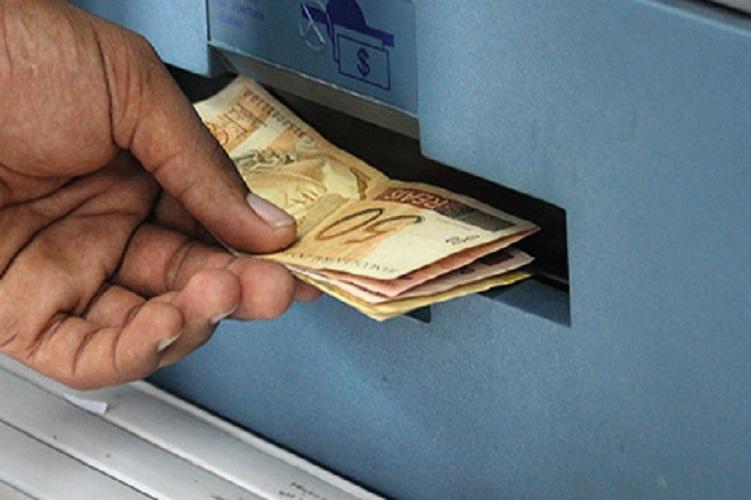 Ex-funcionário é preso por sacar dinheiro de cliente mais de 160 vezes em SC