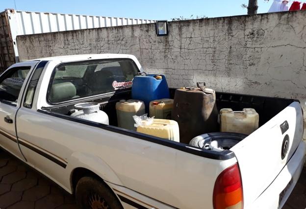 Idoso é detido contrabandeando gasolina da Argentina
