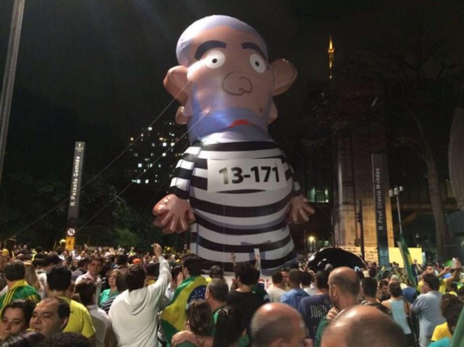 Moradores organizam marcha contra a vinda de Lula