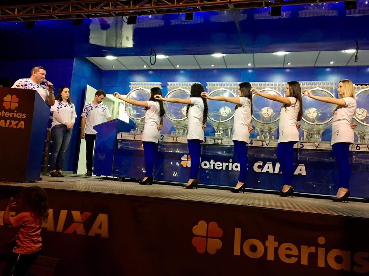 Caminhão da Sorte realiza sorteios das Loterias em São José do Cedro