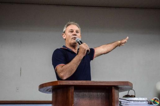 OUÇA; Vereador questiona presença de servidores em audiência