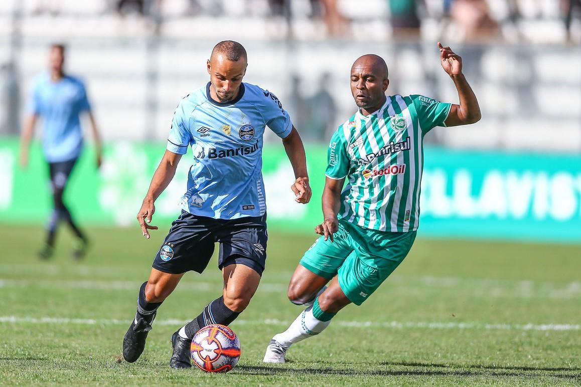 Grêmio vence o Juventude e encaminha vaga à semi do Gauchão
