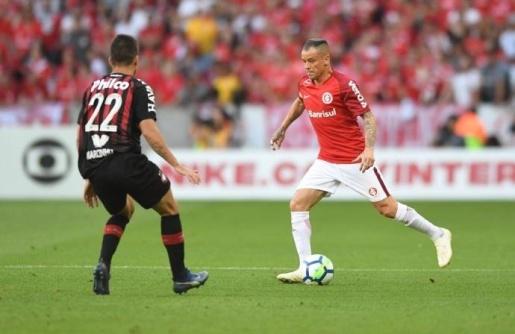 VÍDEO: De virada Inter vence o Atlético-PR no Beira-Rio e fica em vice