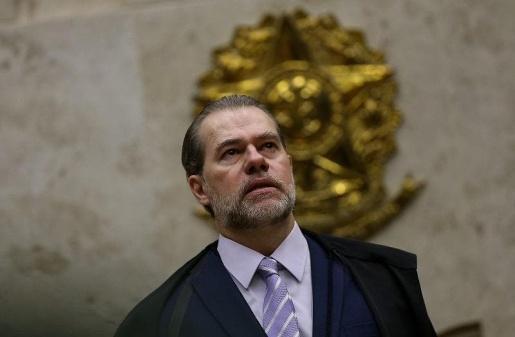 Presidente do STF, está internado com sintomas de coronavírus após cirurgia
