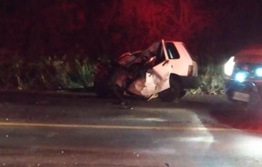 Motorista morre em colisão entre caminhão e carro na BR-282