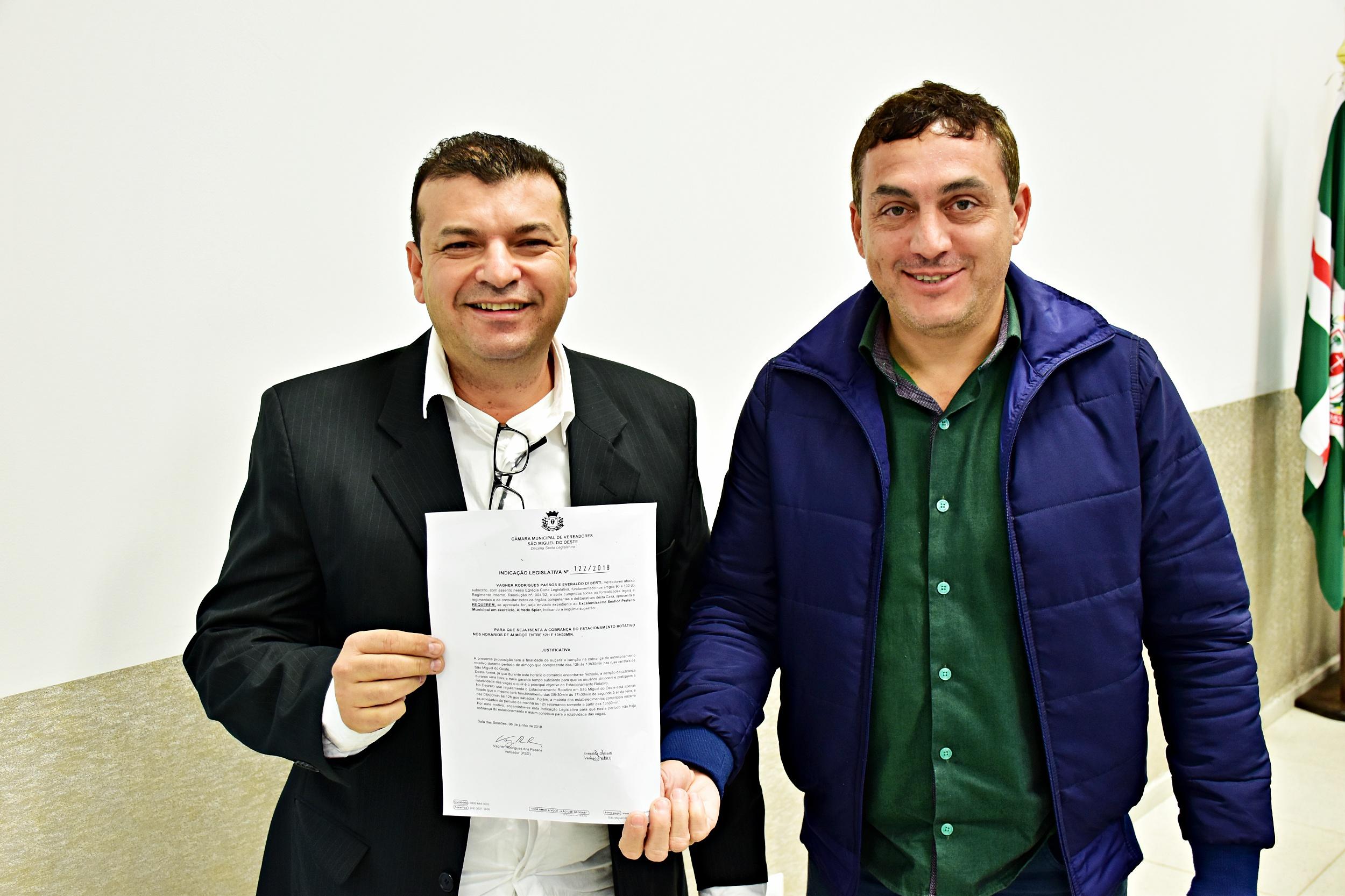 Vereadores pedem isenção da cobrança do rotativo das 12h às 13h30