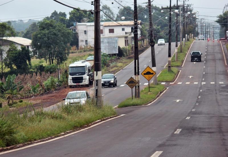Município estuda fechamento de cruzamentos na Willy Barth