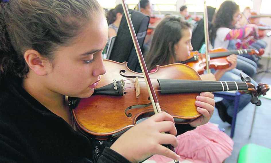 Lei da música obrigatória no ensino público tem dez anos mas não é implementada