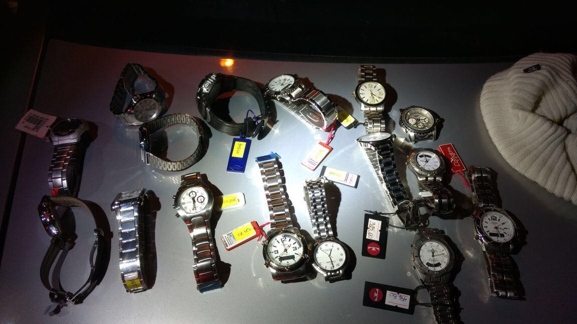 Policia Militar apreende relógios roubados de relojoaria de São Miguel do Oeste