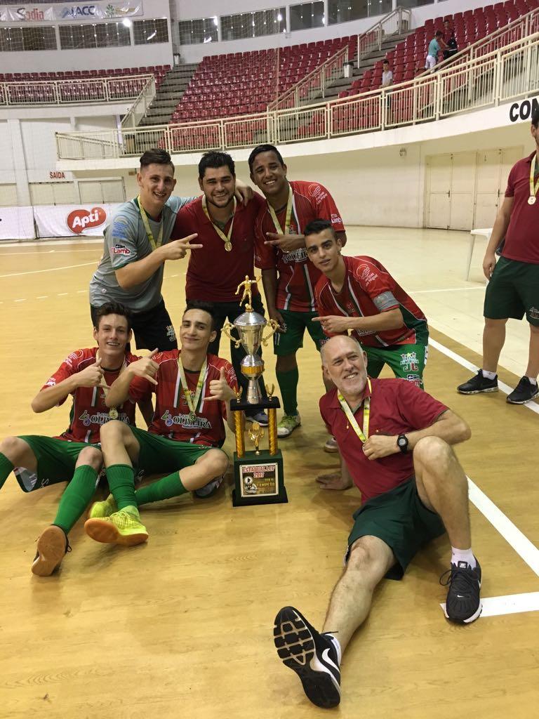 Equipe Sub-16 do Joni Gool é campeã da Liga Catarinense de Futsal