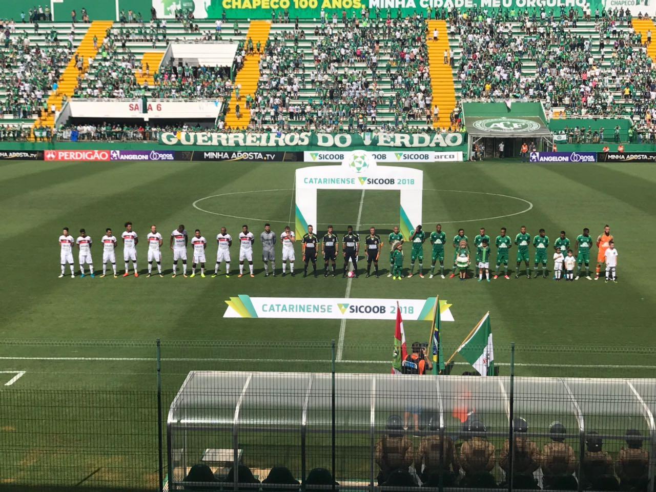 Chape vence o Joinville e assume a liderança do Catarinense