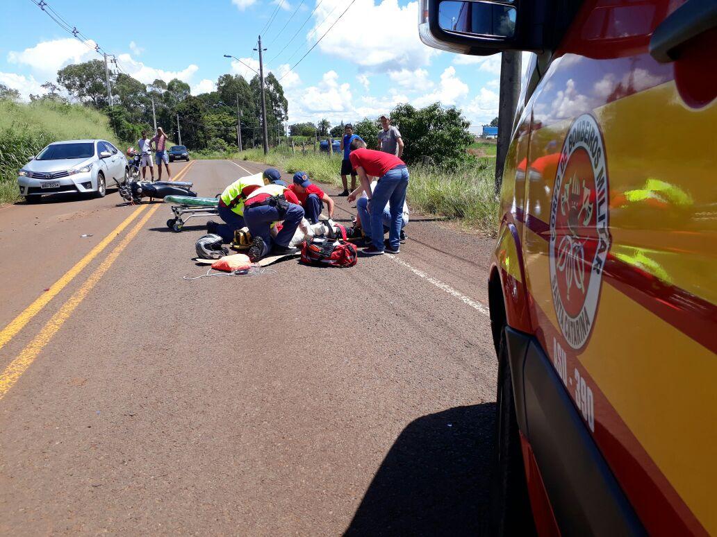 Colisão traseira deixa motociclista ferido em São Miguel do Oeste