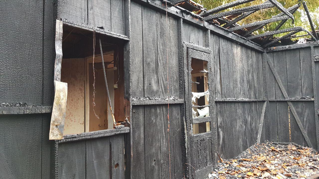 VÍDEO: Incêndio em residência mobiliza Corpo de Bombeiros de Anchieta