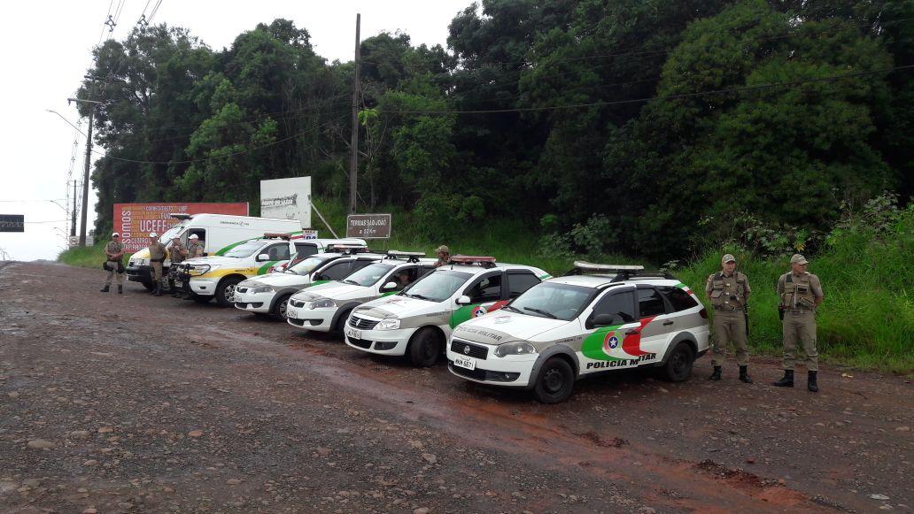 Forças de segurança já estão no trevo de São Miguel do Oeste