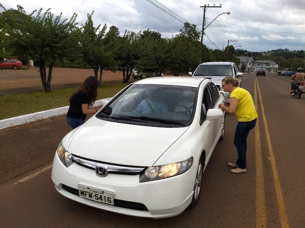 Entidades de Guarujá do Sul realizam pedágio em alusão ao dia 18 de Maio