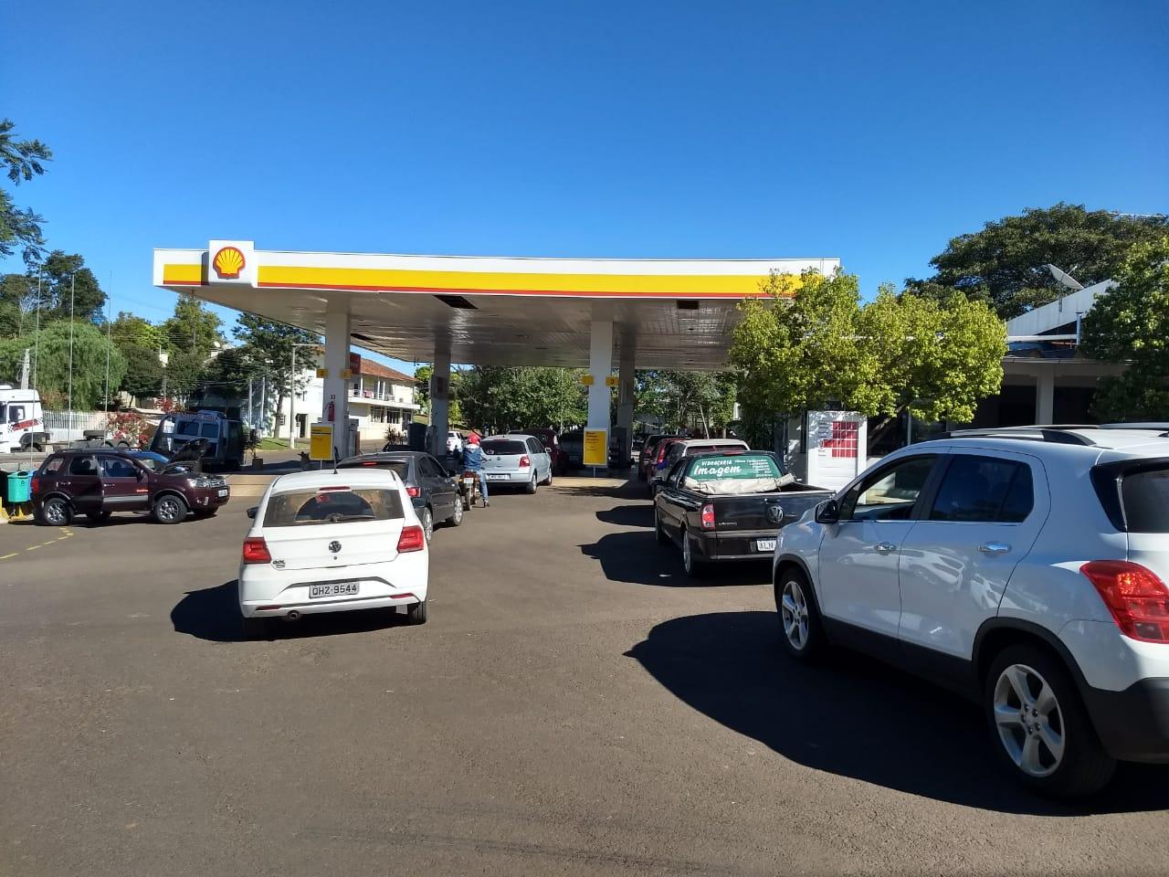 Combustível também começa a faltar em Cedro