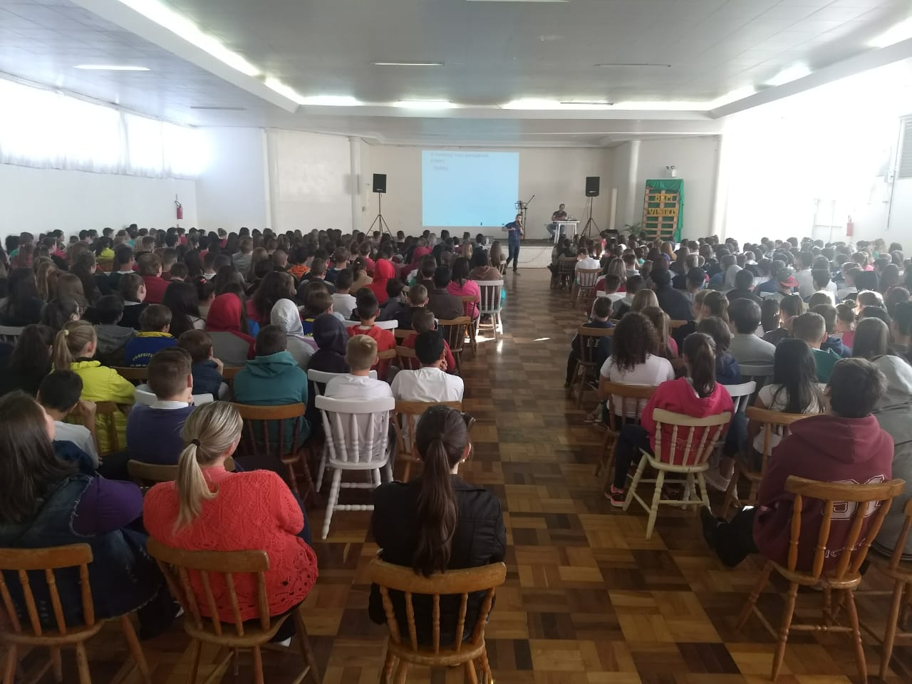 Palestra aborda tema para adolescentes em Cedro
