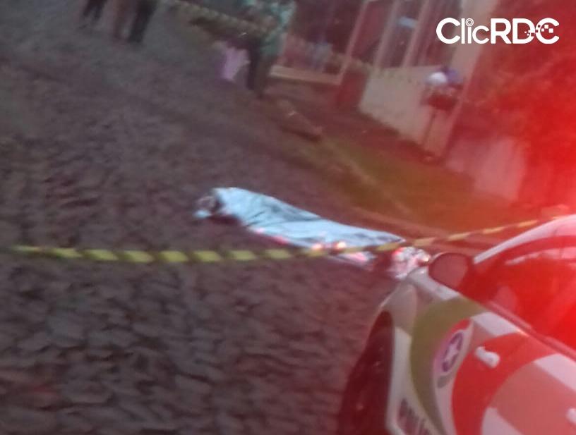 Jovem é assassinado a facadas em Chapecó