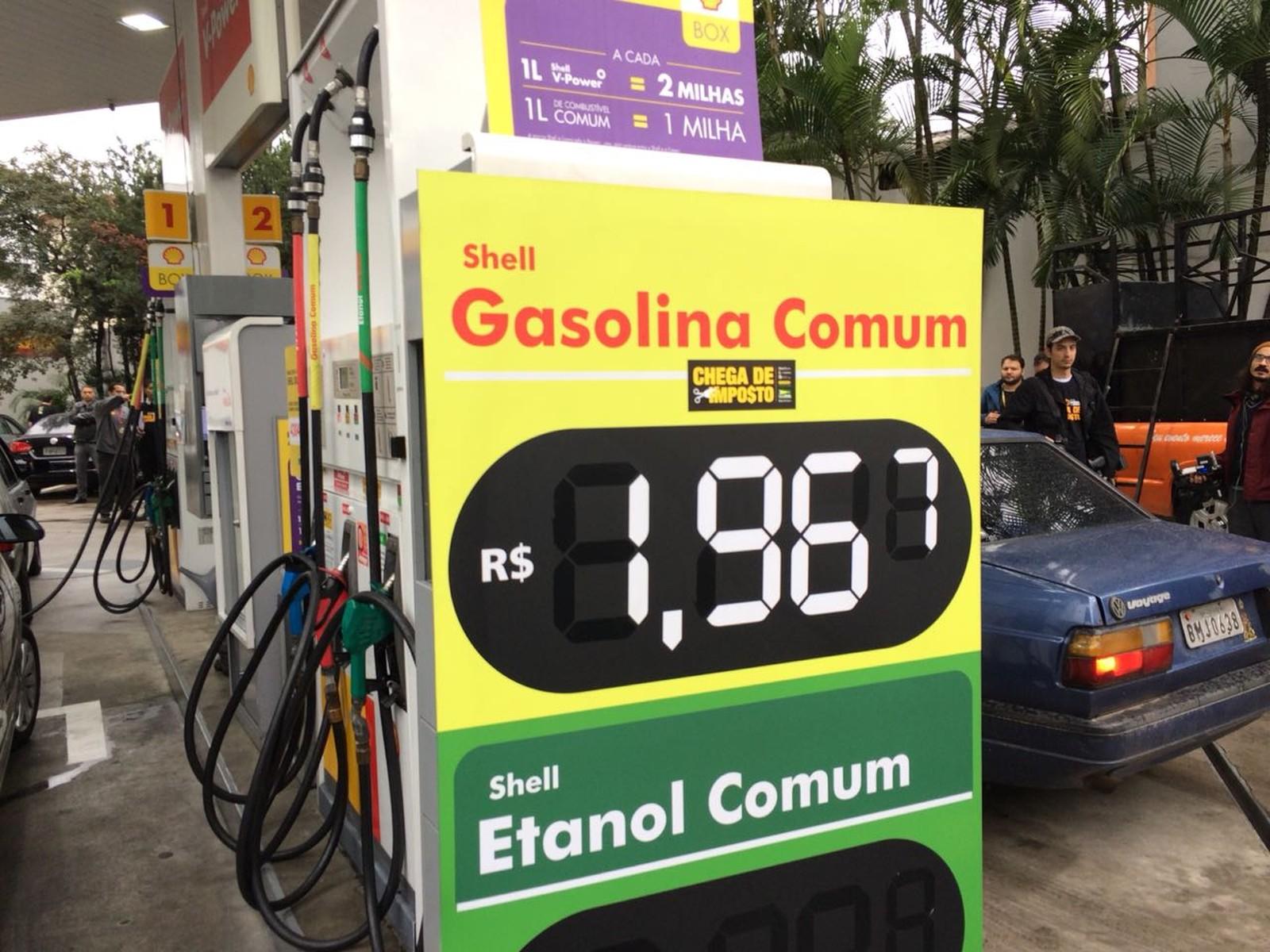 Posto vende gasolina pela metade do preço em protesto contra impostos