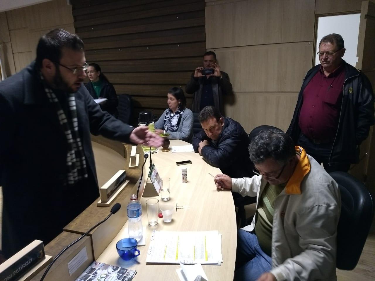 Vereador questiona qualidade da água que é fornecida pelo SEMAE