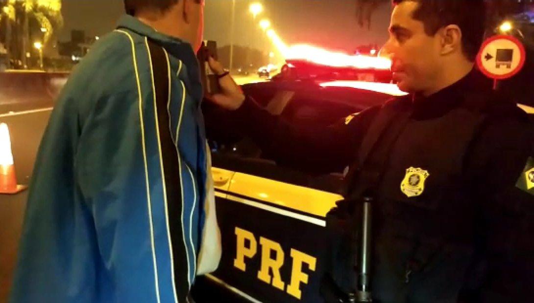 Mais de 90 condutores são flagrados embriagados neste final de semana