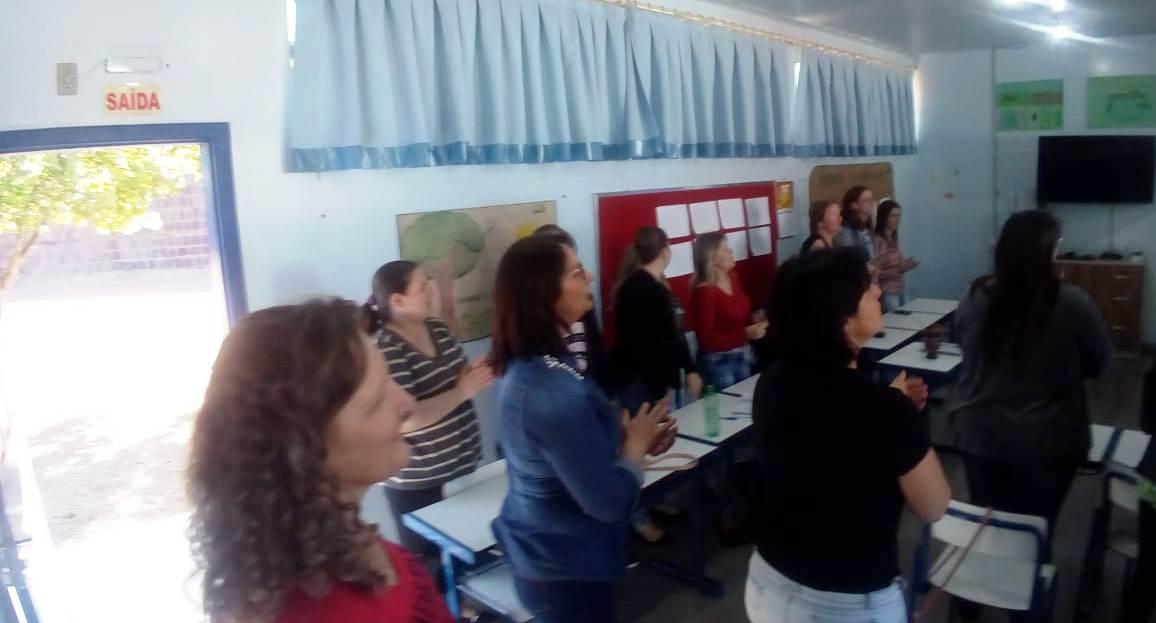 Professores participam de capacitação com escritor em Iporã do Oeste