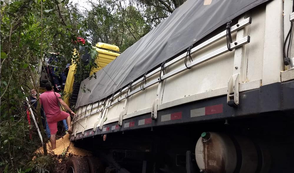 Motorista morre em acidente na BR-163 em Santo Antônio do Sudoeste