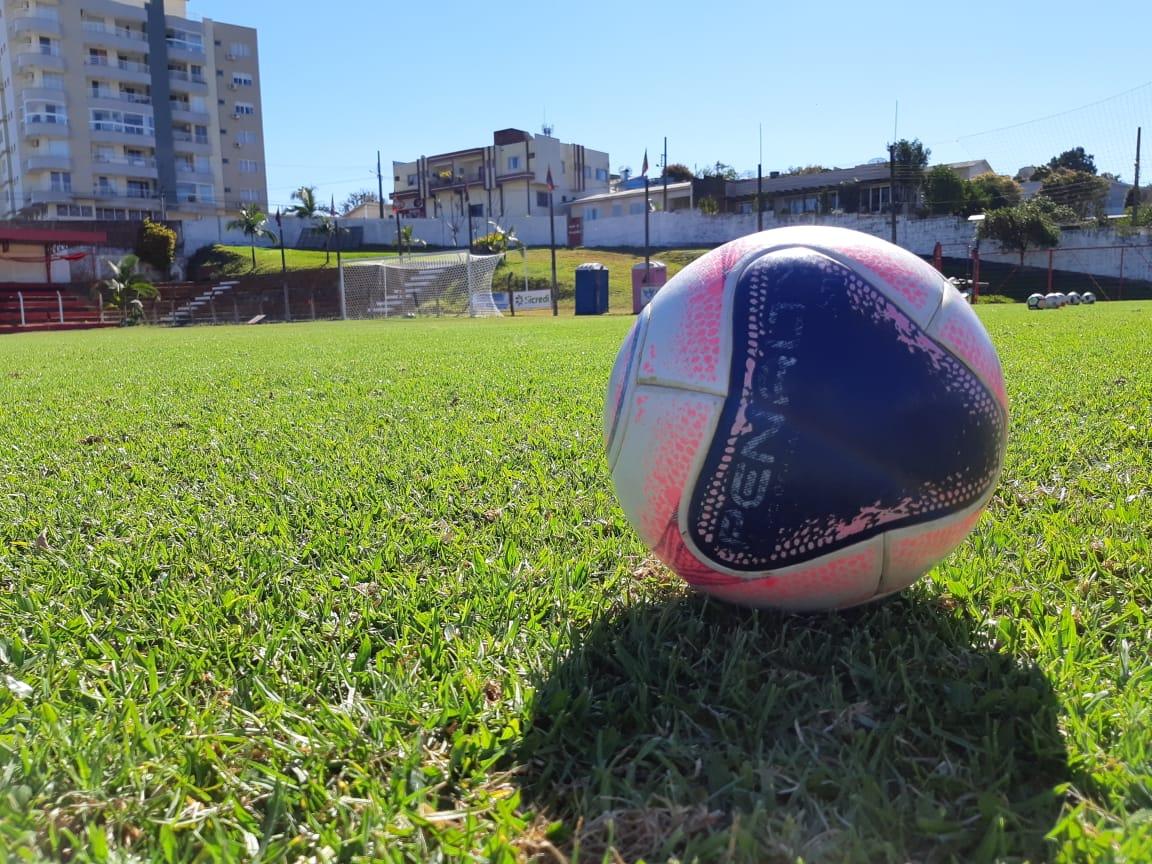 Peperi transmite Atlético de Linha 2 Irmãos e Grêmio Guamerim pelo Municipal