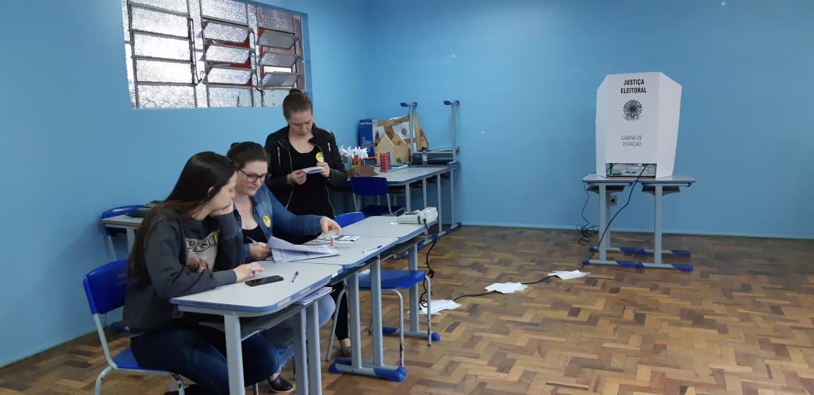Escolas já registram formação de filas em São Miguel do Oeste