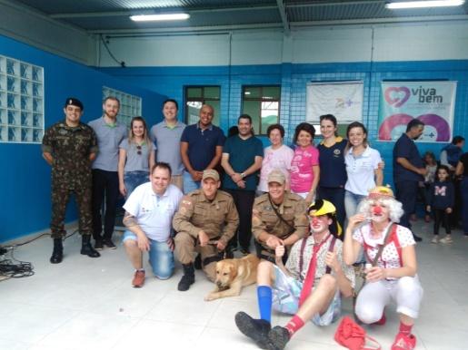 Canil da PM participa de visita ao setor de oncologia do Hospital Regional