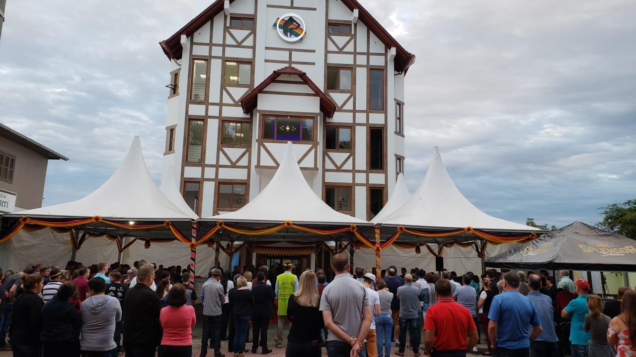Inaugurado Edifício Peperi - Sede da Rádio Itapiranga