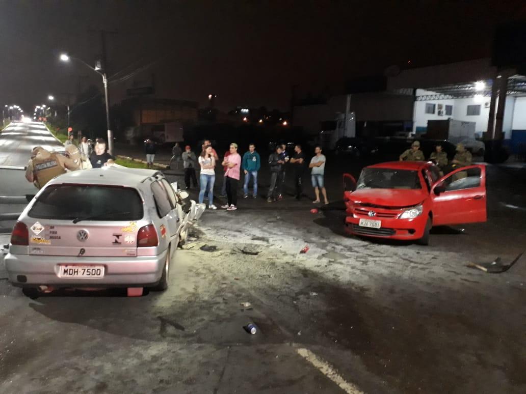 Grave acidente deixa feridos na Waldemar Rangrab