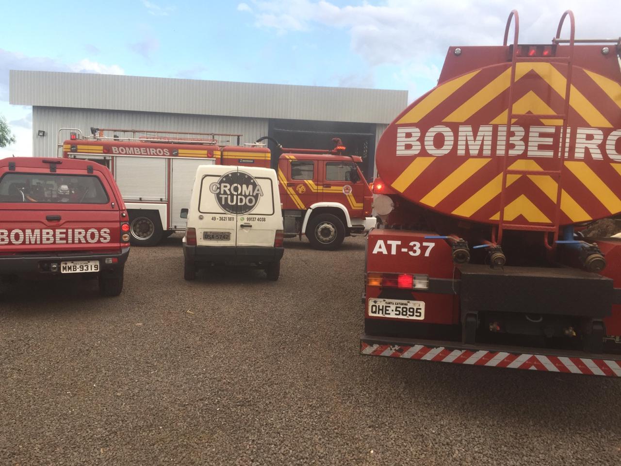 Princípio de incêndio mobiliza Corpo de Bombeiros
