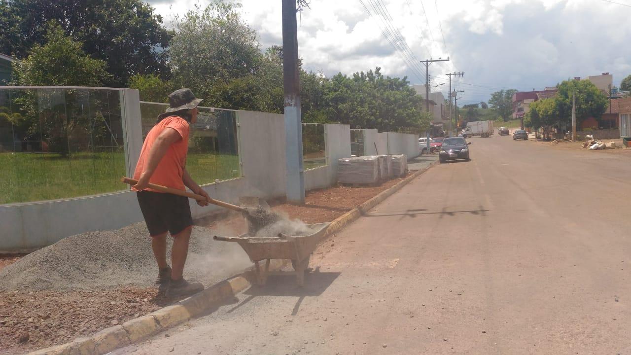 Setor de Serviços Urbanos intensifica ações para atingir demanda de terraplanagens