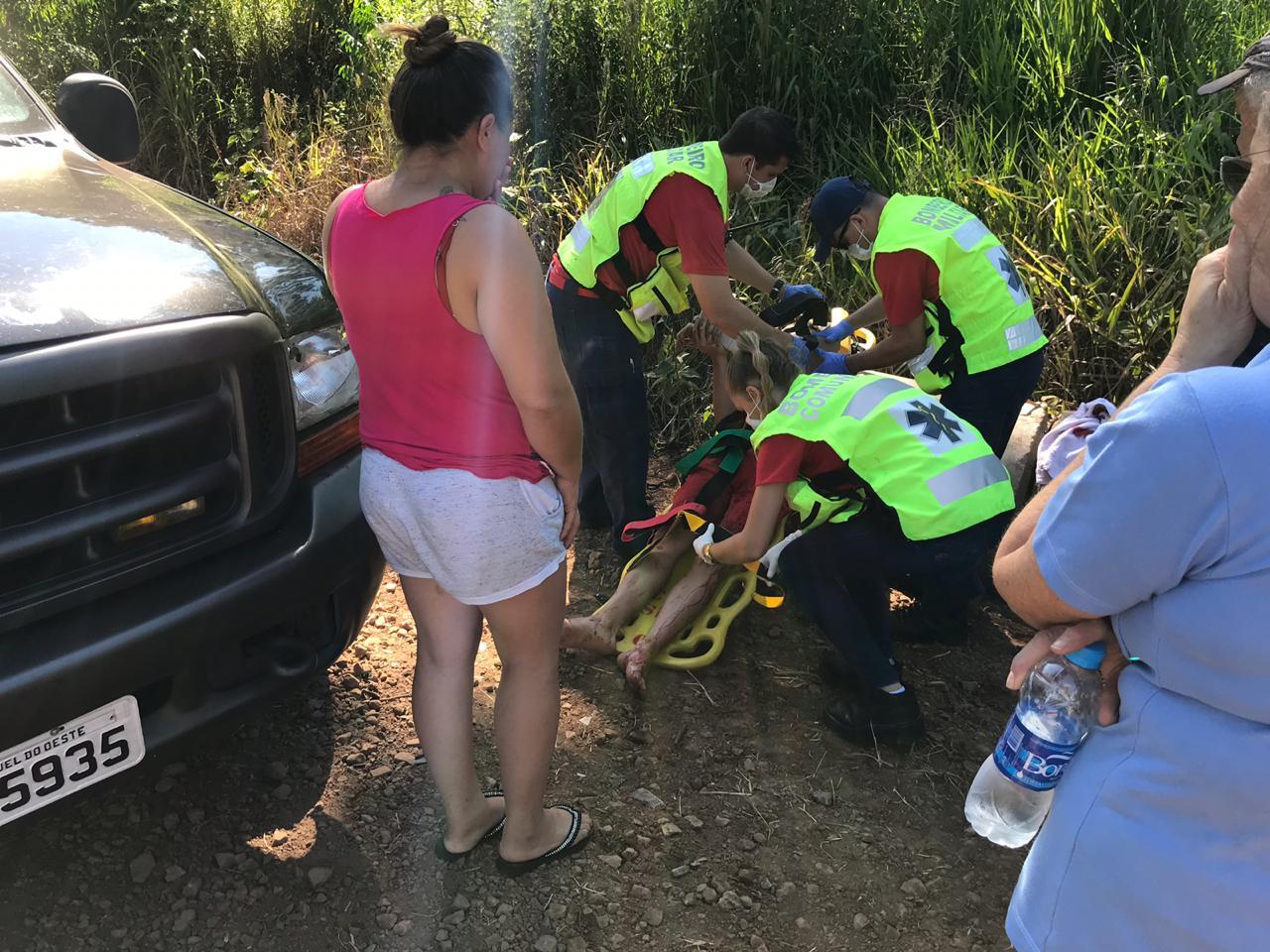 Colisão frontal deixa jovem gravemente ferido no interior de São Miguel do Oeste