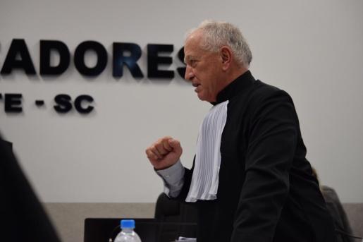 Defesa de acusado de contratar atirador pede absolvição por falta de provas
