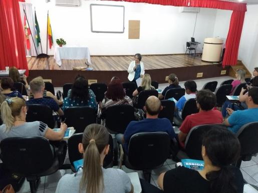 """Seminário """"Bebida - Lazer com responsabilidade"""" mobiliza profissionais de três setores em SJCedro"""