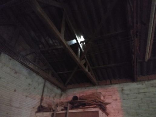 Raio atinge fábrica de móveis em SJCedro