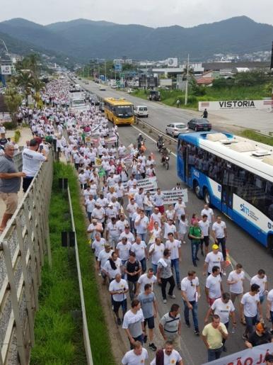 Militares protestam em Florianópolis e ameaçam operação padrão