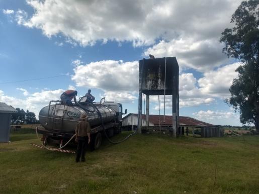 Prefeitura de Palma Sola realiza entrega de água para 50 famílias